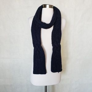 🌼{ gap } navy hand knit lambswool blend scarf